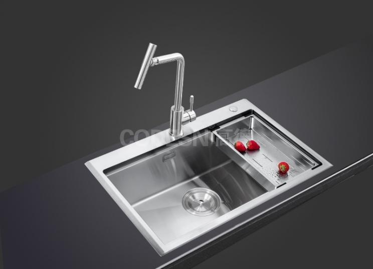 分析厨房不锈钢水槽何如不印响使用寿命?
